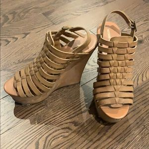 Missimo wedges